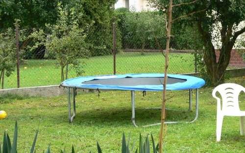 Sommerhus Hradištko - trampolin