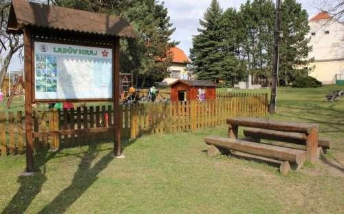 Dětské hřiště - Ladův Kraj