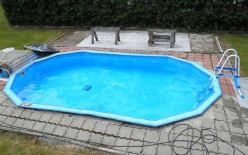 コテージの屋外プール