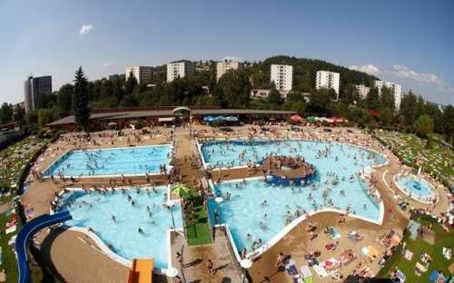 Aquapark Trutnov je vzdálen 12 km od ubytování.