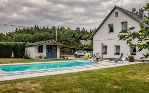 Vila Lesw Království - luxe pension met een zwembad in het Reuzengebergte