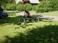 Vélo de graissage dans le camp de Karolina