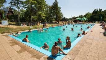 Oddych, relax v termálnych bazénoch v krásnom prostredí