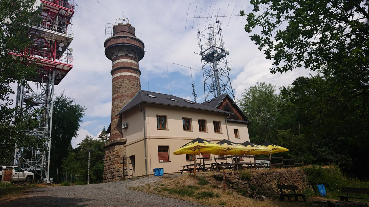 https://www.kempy-chaty.cz/sites/default/files/turistika/0._krkavec_1280x720.jpg