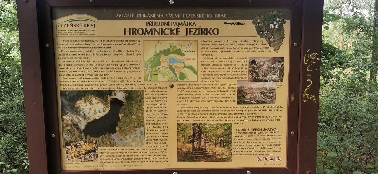 https://www.kempy-chaty.cz/sites/default/files/turistika/3_-_hromnicke_jezirko_informace.jpg