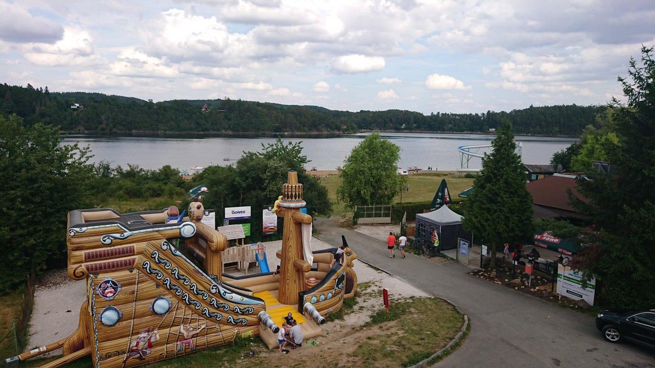 https://www.kempy-chaty.cz/sites/default/files/turistika/6._detske_atrakce.jpg