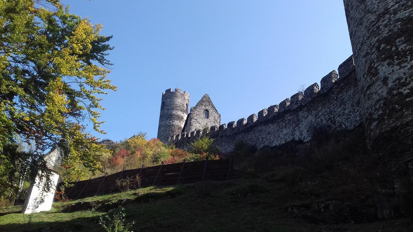 Til Bezděz Slot