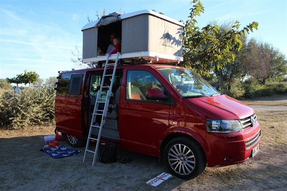 https://www.kempy-chaty.cz/sites/default/files/turistika/campervan_a_detska_postel.jpg