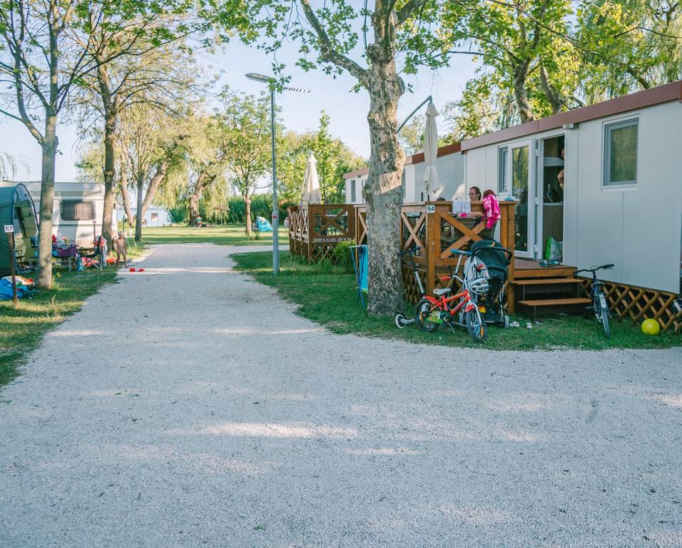 https://www.kempy-chaty.cz/sites/default/files/turistika/camping_badacsony_balaton_s1.jpg