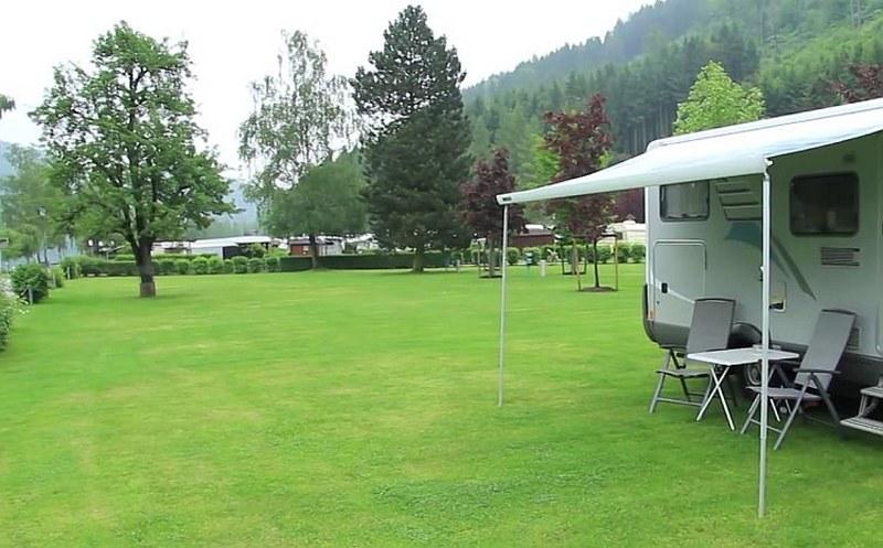 https://www.kempy-chaty.cz/sites/default/files/turistika/camping_kaiserhof_-_plochy_pro_karavany_obytna_auta_800x497.jpg