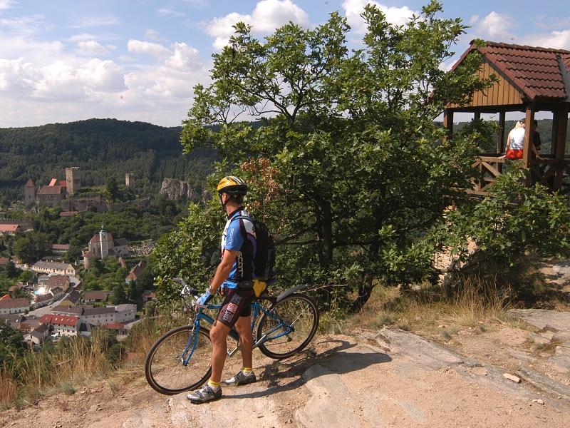 https://www.kempy-chaty.cz/sites/default/files/turistika/fotocyklohardegg.jpg