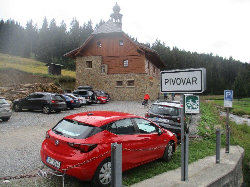https://www.kempy-chaty.cz/sites/default/files/turistika/hospudka_u_modravy.jpg