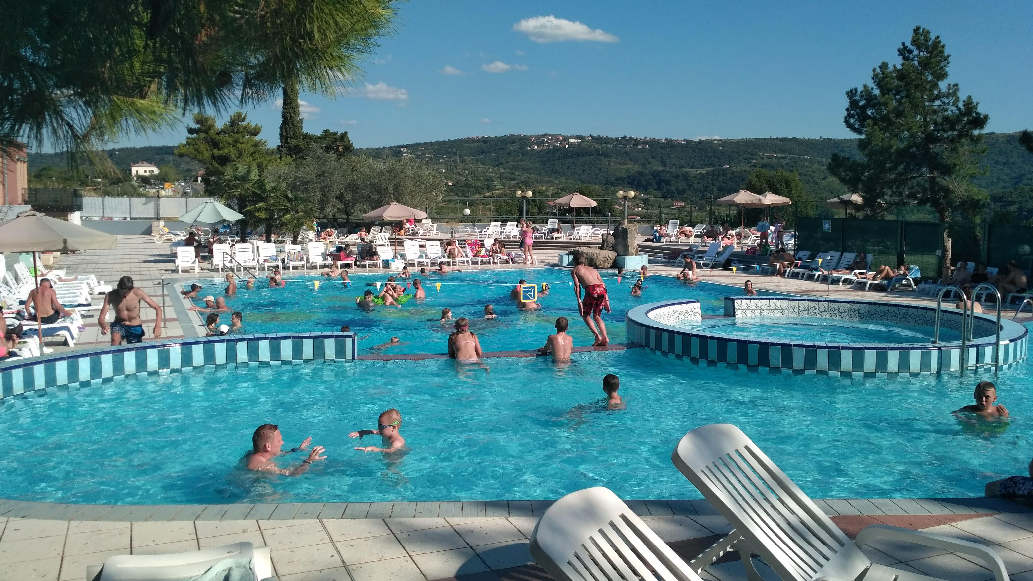Bazén v kempu Belvedere