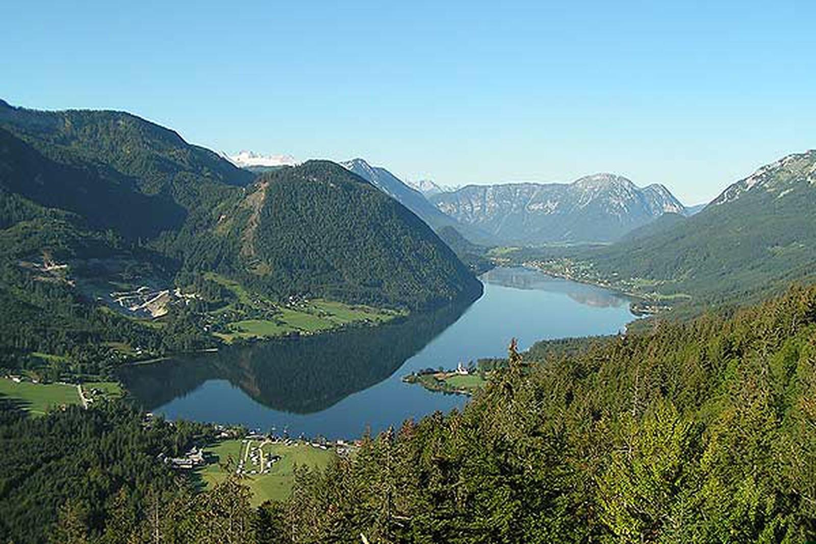 https://www.kempy-chaty.cz/sites/default/files/turistika/jezero_grundlsee.jpg