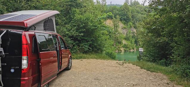 https://www.kempy-chaty.cz/sites/default/files/turistika/karavan_u_reky.jpg