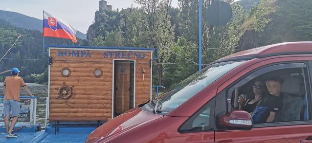 https://www.kempy-chaty.cz/sites/default/files/turistika/karavan_u_strecna.jpg