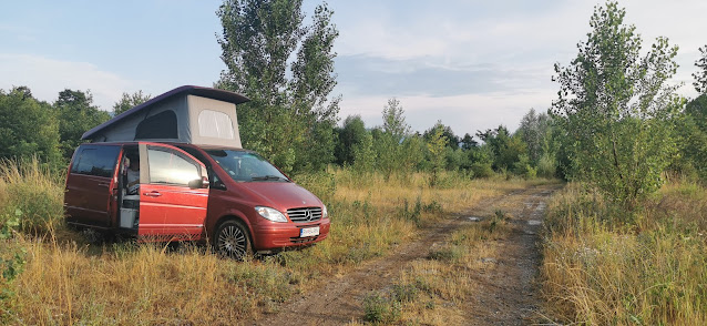 https://www.kempy-chaty.cz/sites/default/files/turistika/karavan_uprostred_lesa.jpg