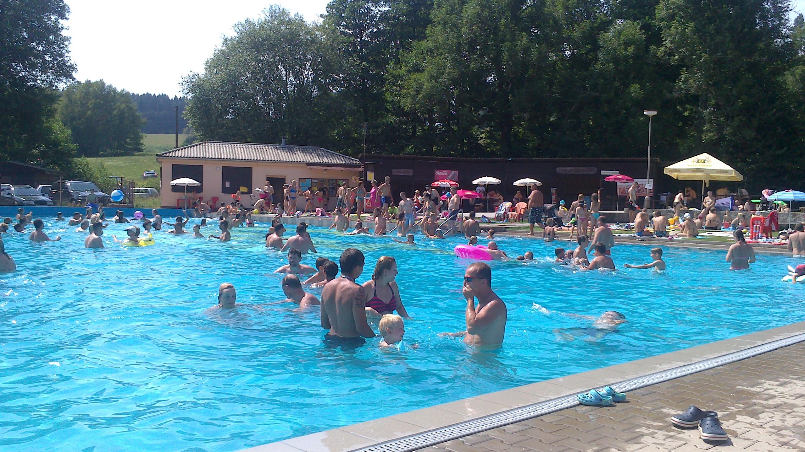 Koupaliště kemp Pecka - bazén
