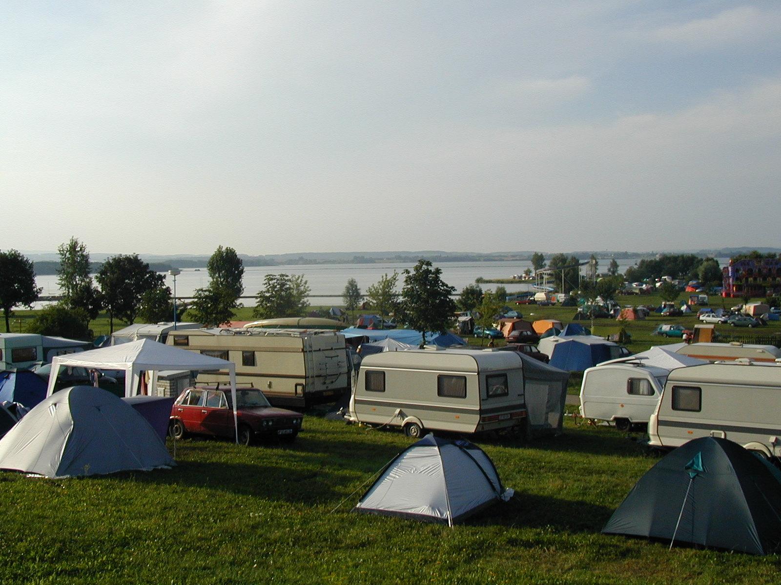 https://www.kempy-chaty.cz/sites/default/files/turistika/kemp_rozkos_-_karavany.jpg