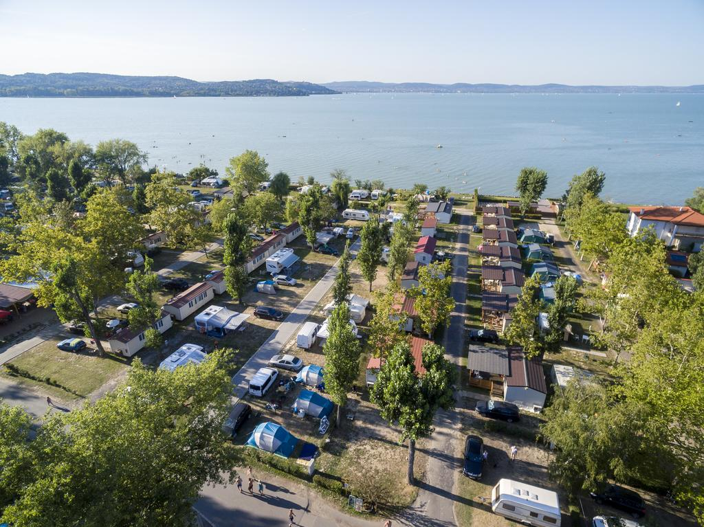 https://www.kempy-chaty.cz/sites/default/files/turistika/mirabella_camping_balaton_s1.jpg