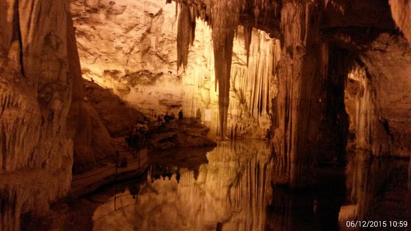 https://www.kempy-chaty.cz/sites/default/files/turistika/neptunova_jeskyne1.jpg