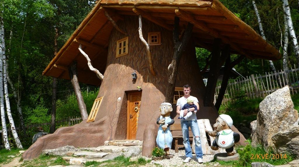 https://www.kempy-chaty.cz/sites/default/files/turistika/pohadkova_vesnicka_podlesicko.jpg