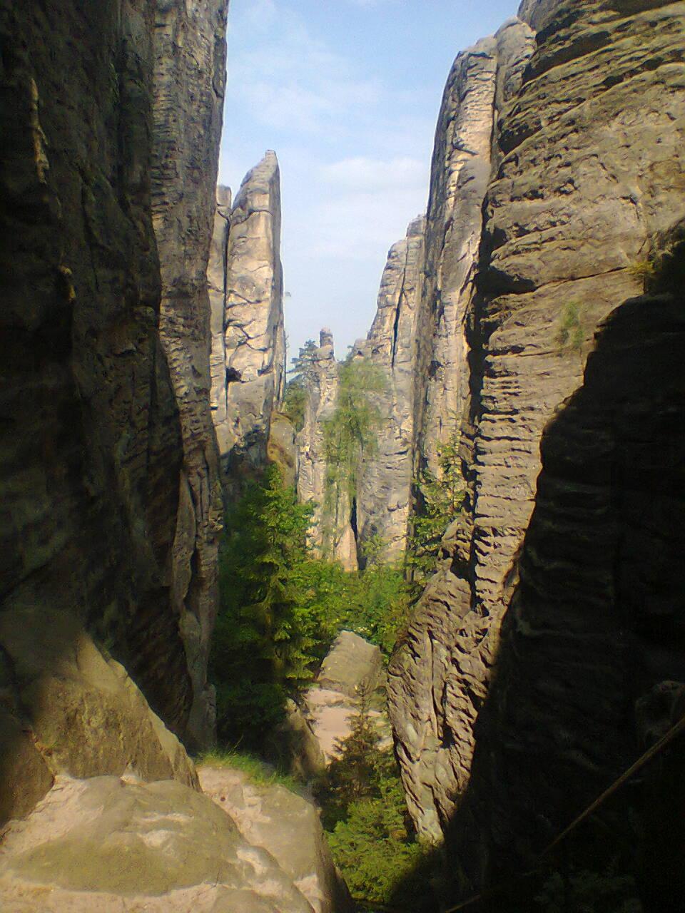 https://www.kempy-chaty.cz/sites/default/files/turistika/prachovske_skaly_v_cele_sve_krase.jpg