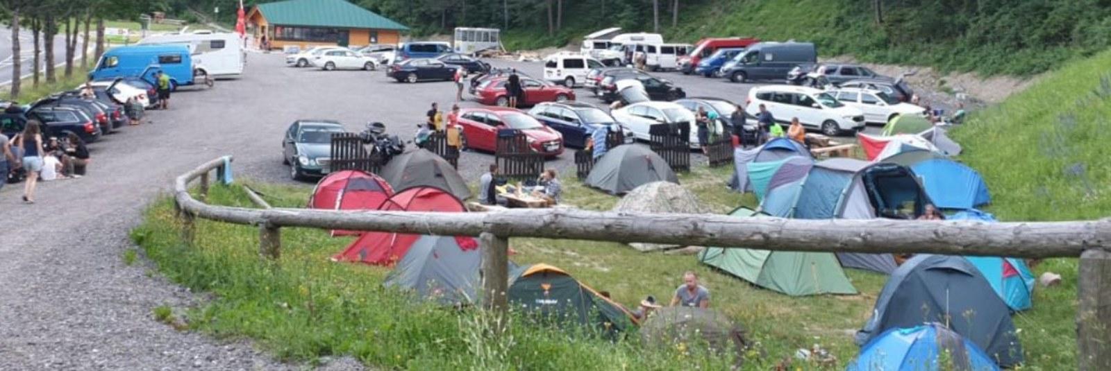 https://www.kempy-chaty.cz/sites/default/files/turistika/rax_park_camping_karavany_1600x535.jpg