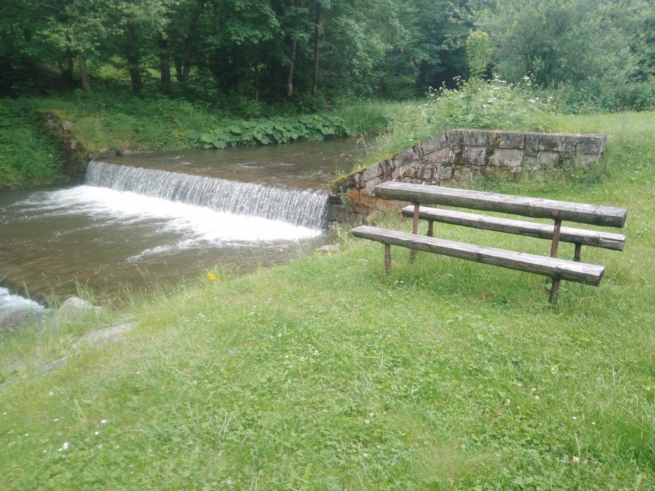 https://www.kempy-chaty.cz/sites/default/files/turistika/relax_u_zajonca_-_potok.jpg