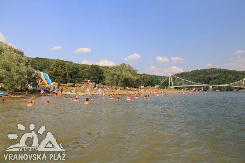 https://www.kempy-chaty.cz/sites/default/files/turistika/vranplazkempx2.jpg